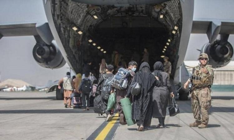 روسيا والغرب يسابقون الزمن لإنهاء عمليات الإجلاء من أفغانستان