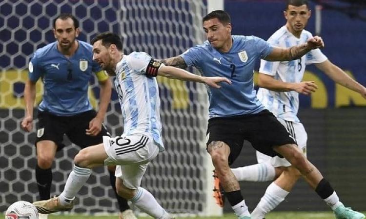 الأرجنتين تستضيف أوروجواي في معركة نارية بتصفيات كأس العالم