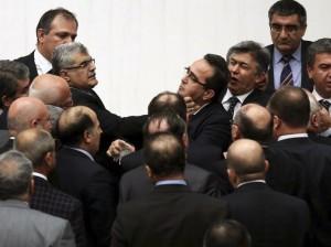 شجار بالبرلمان التركي.jpg1
