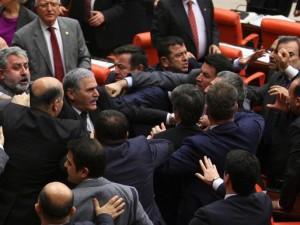شجار بالبرلمان التركي.jpg2