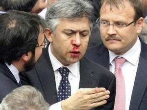 شجار بالبرلمان التركي.jpg3