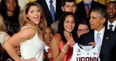 أوباما معجب بلاعبة السلة ستيفاني دولسن