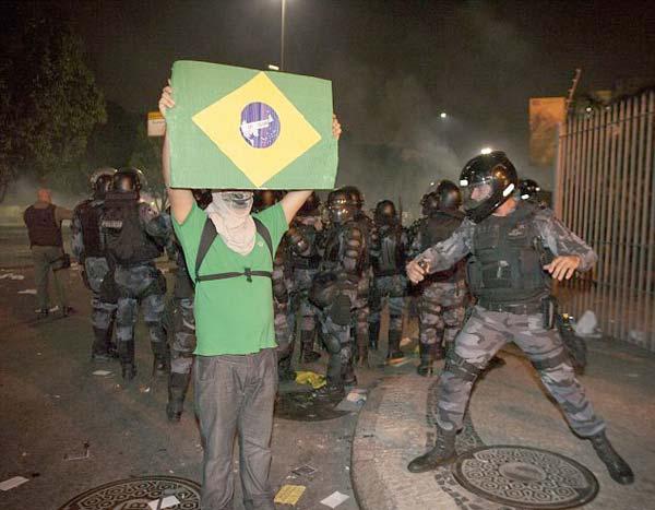 شغب البرازيل  2