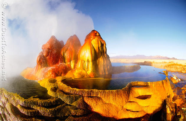fly_geyser_reno_nevada_interesting_geological_location2