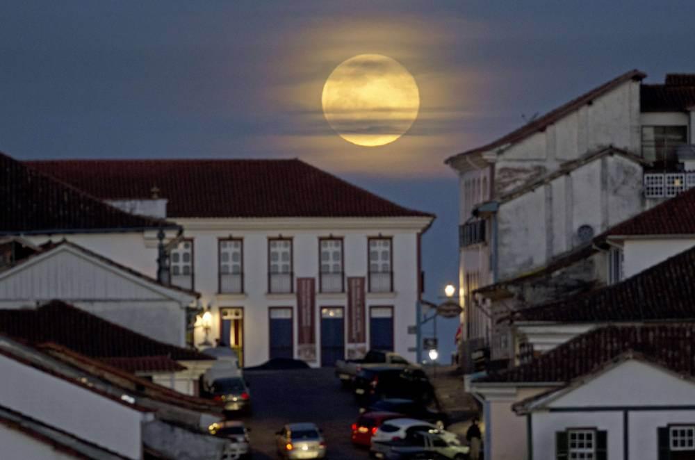 القمر السوبر  14