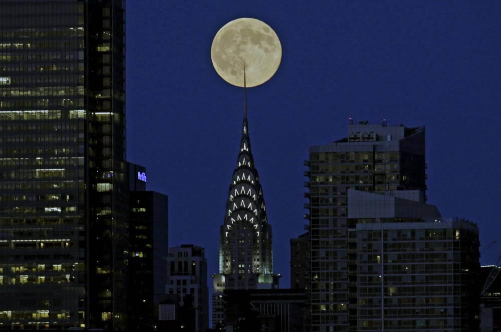 القمر السوبر  17