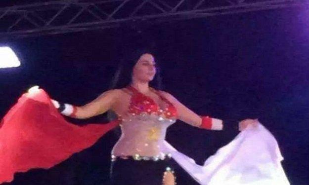 صافيناز ترقص بالعلم