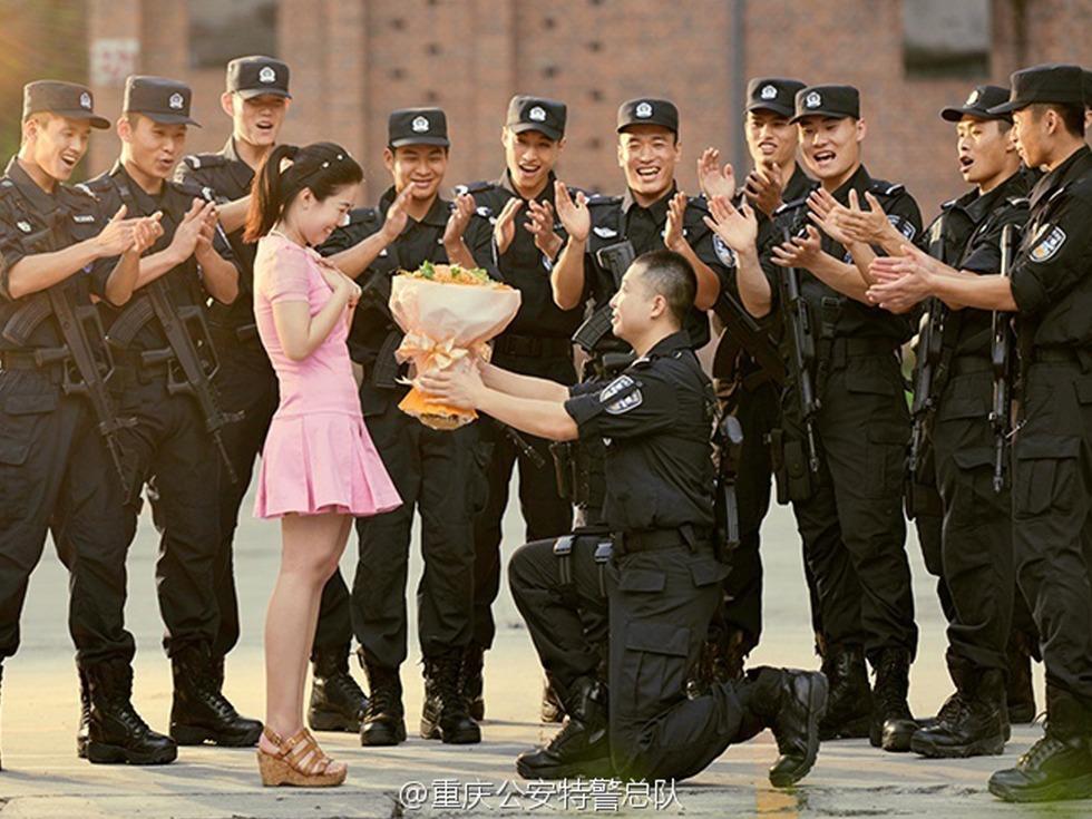 زفاف صينية من ضابط