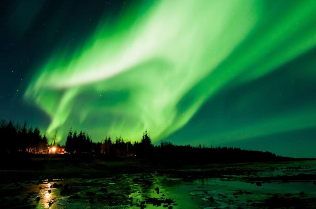 أضواء الشمال