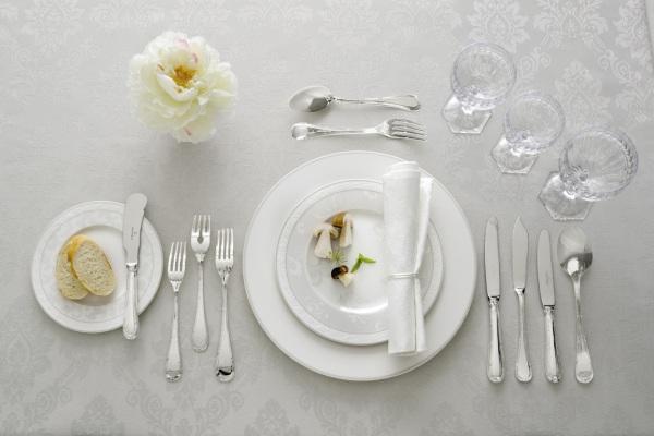 بالصور تعرف على لغة الطعام باستخدام أدوات المائدة