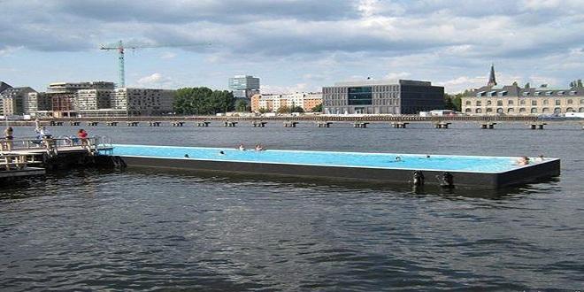 حوض السباحة العائم في ألمانيا
