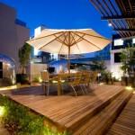 فندق جراند دادي في جنوب أفريقيا مع مقطورة الرصاصة الفضية.