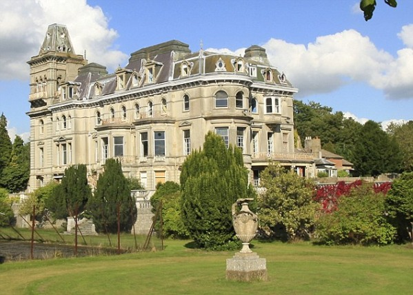 قصر هينلى
