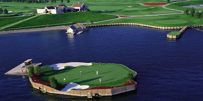 ملعب الجولف المائى