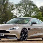 المركز التاسع السيارة الانجليزية أستون مارتن فانجويش و يبدأ سعرها من 279995 دولار