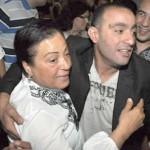 أحمد السقا ووالدته