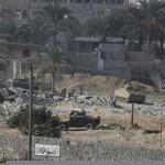 الجيش يبدأ في تدمير المنازل علي الحدود -رفح