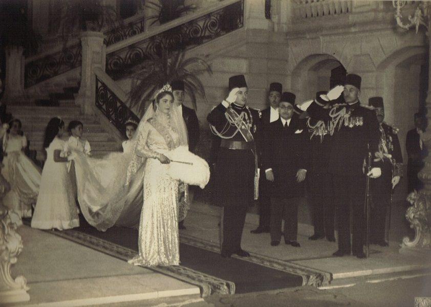 الملك فاروق يوم زفافه على زوجته الأولى الملكة فريدة عام 1938