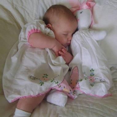 سيلين ابنة عماد متعب