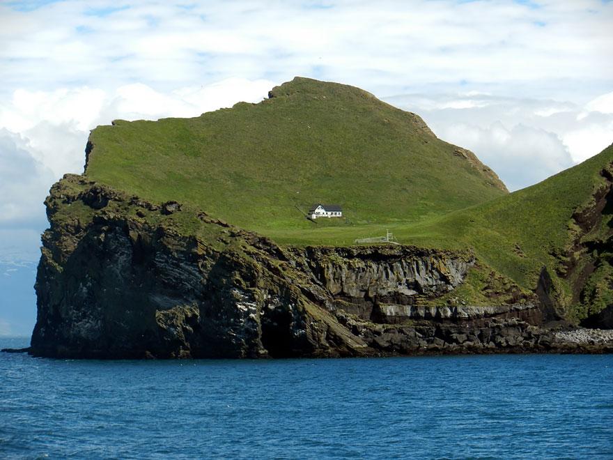 بيت الجزيرة فى ايسلندا