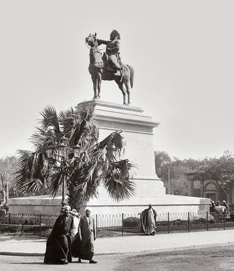 تمثال ابراهيم باشا في ميدان الأوبرا بالقاهرة بداية القرن الماضي