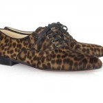 حذاء بنقوش جلد النمر
