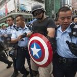 شرطة هونج كونج تعتقل متظاهر