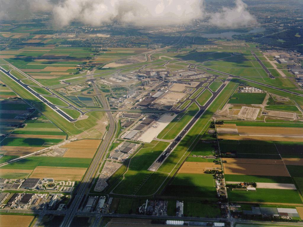 مطار أمستردام شيفول