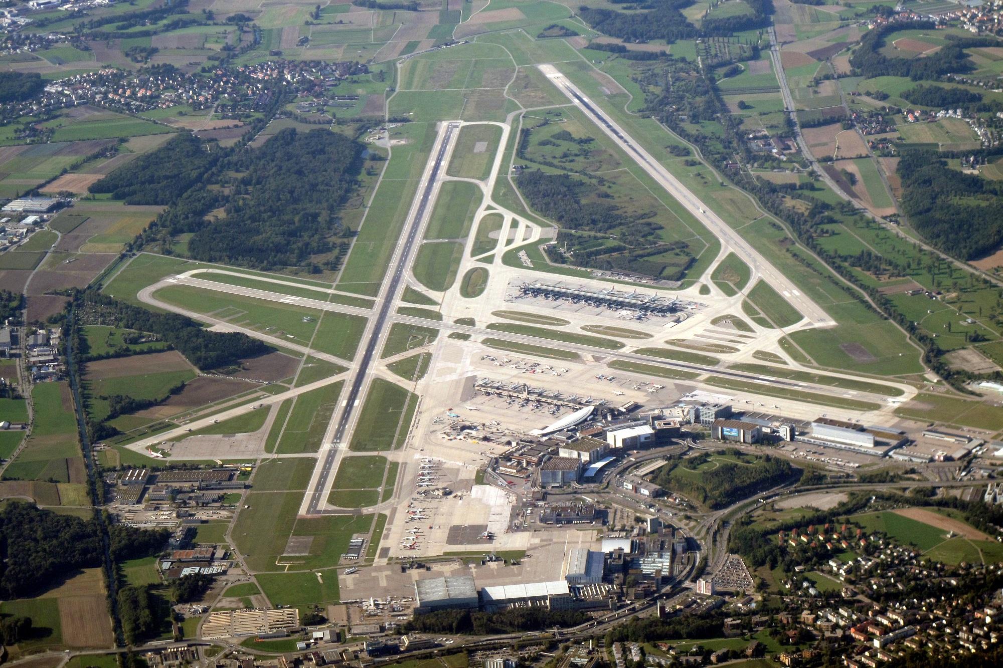 مطار زيوريخ