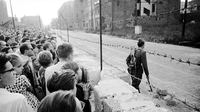 أسيجة جدار برلين