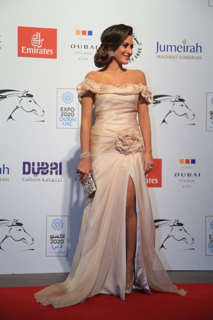 امينة خليل في افتتاح مهرجان دبى