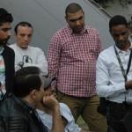 حكيم يستمع إلى تعليمات مدير التصوير أحمد حسين