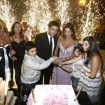 عاصي الحلاني يحتفل بعيد زواجه