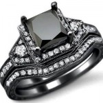 خاتم من الألماس الأسود
