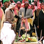 Saudi Crown Prince Abdallah ibn Abdel Aziz (L) dan
