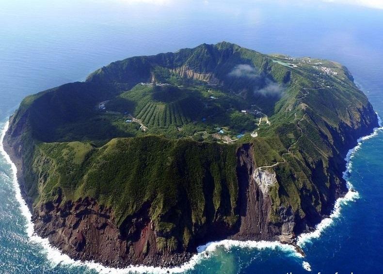 جزيرة أوجاشيما البركانية