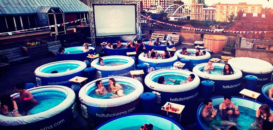 حمامات السباحة لندن