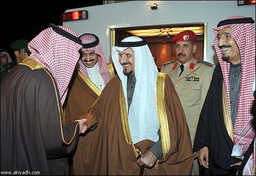 رافقة الامير سلمان مع شقيقه الامير سلطان الوفاء في اجمل صوره
