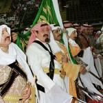 Saudi Crown Prince Abdullah bin Abdel Aziz (C) tak
