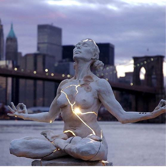 Expansion by Paige Bradley  المكان : نيويورك – أمريكا