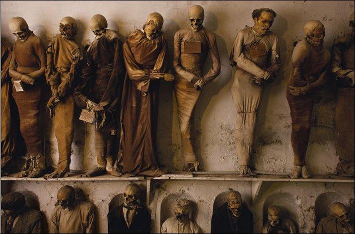 سياحة المقابر