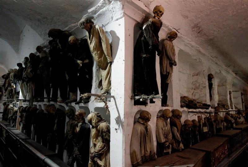سياحة القبور
