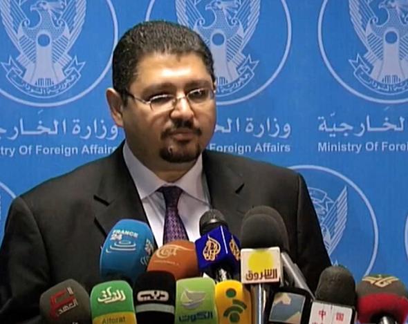 المتحدث باسم وزارة الخارجية السودانية، السفير يوسف الكردفانى