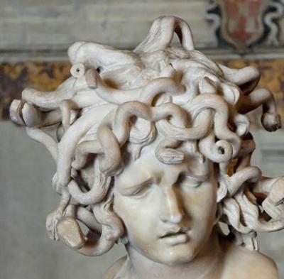 تمثال ميدوزا
