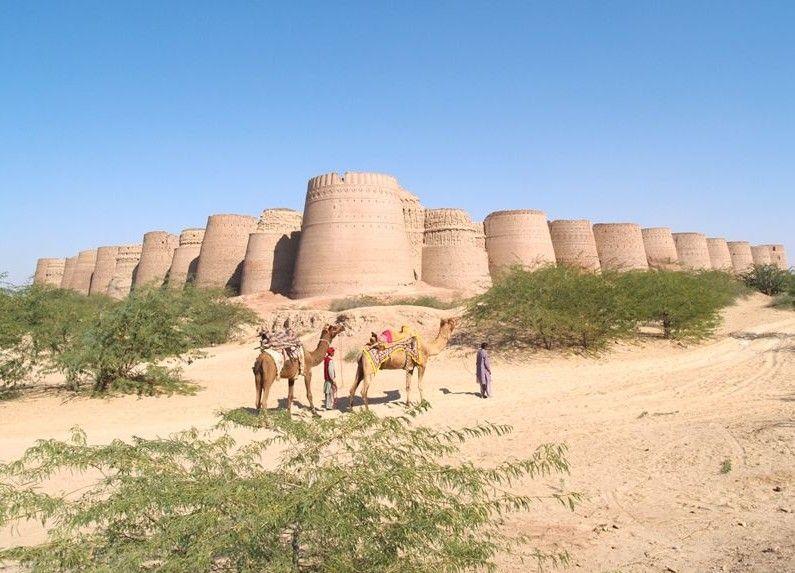 حصن ديروار فى باكستان