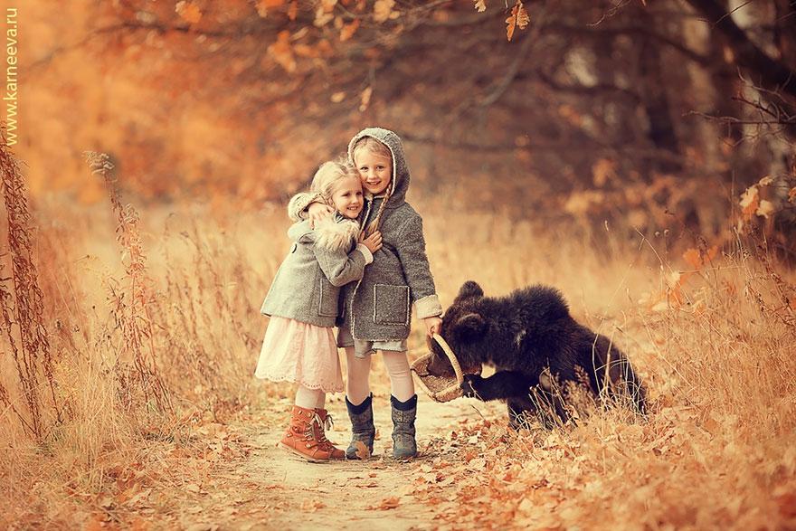 صداقة الاطفال والحيوانات