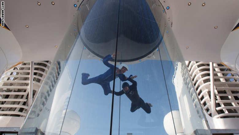 150121102303-quantum-of-the-seas-skydivers-exlarge-169_0