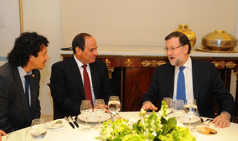 السيسى خلال العشاء الذى أقامه له ماريانو راجوى رئيس وزراء أسبانيا