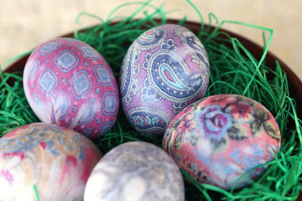 بيض الوان الفلكلور