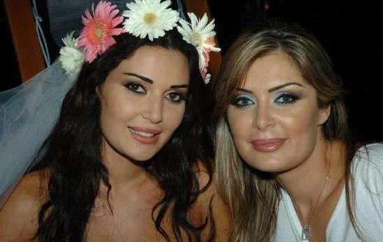 سيرين عبد النور وشقيقتها